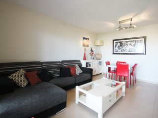 Apartamento con Piscina , Parking, Urbanización completa en Playa de San Juan., Alicante