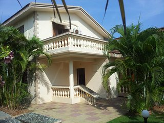 Luxury Detached 3 Bedroom en-suite Sunset View Beach Villa with private Patio,, Varca