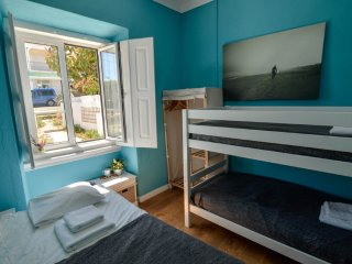 Stylish triple room with breakfast in Sagres