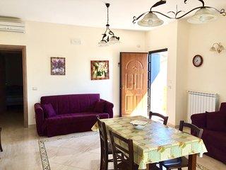 Etna Royal View -Appartamento Bilocale con terrazza e vista mare.