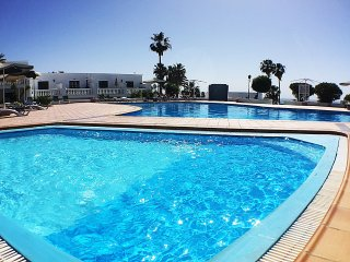 Apartment Bonita mit Pool & Terrasse mit Meerblick, Puerto Del Carmen