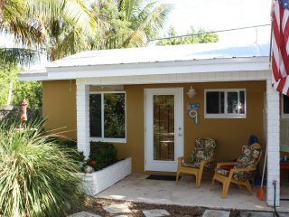 Studio located 50 yards from ocean, Unit 9, Grassy Key