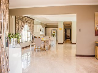Villa Moshay- ultra modern,luxurious self catering