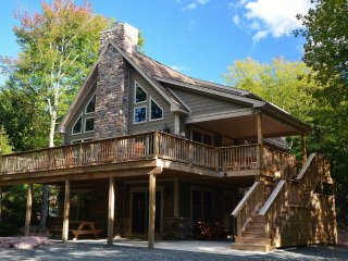 Lake Harmony's Ledgestone Lodge