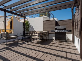 Penthouse with Balcony and Rooftop Terrace (3A)