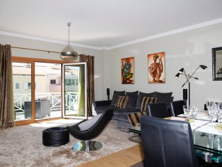 Graceful apartment in condo with pool, Cascais