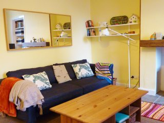 """ Cosy Corner apartment "" 7 Crawford Street, Millport, Isle of Cumbrae"
