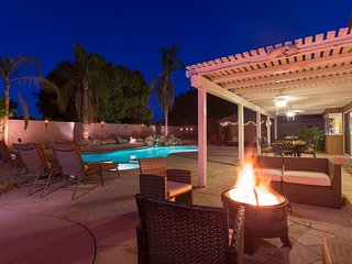 8 BR Private Resort Style Oasis w/ Pool, Indian Wells