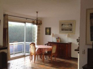 5 Bedrooms Spacious Luminous Villa, Genval