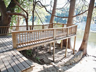 Cabin on the Chute! On River Road! 3BDR/2BTH - sleeps up to 15 guests!!