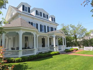 Luxury Living in the Heart of Harwich Port - 525-H