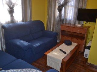 PISO  COQUETO , TRANQUILO Y AMPLIO   CON WIFI  (  IDEAL FAMILIAS  O GRUPOS ), Avilés