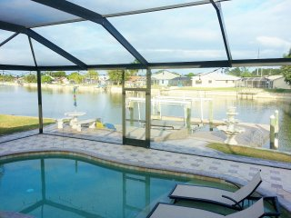 Lake Kennedy charming Villa, Cape Coral