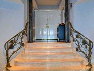 Grand Marble Welcoming Staircase