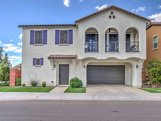 Gilbert Home w/Balcony & Pool Access - Near Golf!