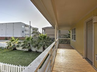 NEW! 3BR South Padre Island Home - Walk to Beach!