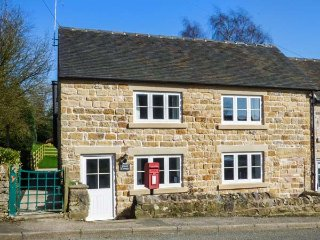 STAMP COTTAGE, woodburner, pet-friendly, lawned garden, walked from the door