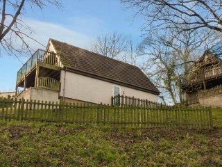MEADOW VIEW, on-site facilities, en-suite, child-friendly cottage near, Callington