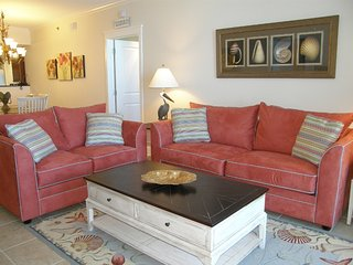 Save up to 25% Off Your Stay in April and May! Cozy Two Bedroom Condo!