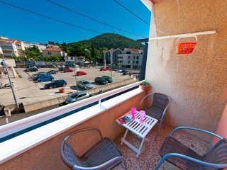 Apartment Bulevar - One-Bedroom Apartment with Balcony and City View