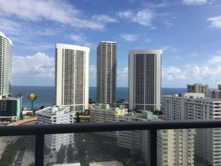 BEACHWALK 3Bed/3Bath Ocean 2202