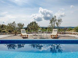 Villa Olimp - Three Bedroom Villa with Swimming Pool