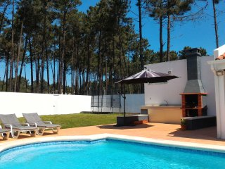 Villa, private Pool, near beaches and Lisbon