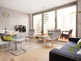 Paseo de Gracia Modern 4 pax. apartment with private terrace!