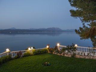 Spacious lux Villa with breathtaking Sea View, Dilesi