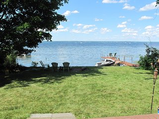 Oneida Lake Custom Home w/ 100' Lake Frontage 3 Bedroom/3 Bath w/Amazing Views, Bridgeport