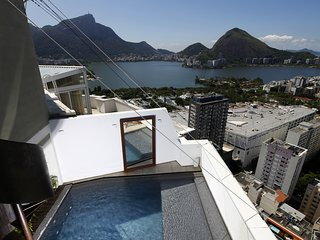 Rio004-Breathtaking penthouse in Leblon with pool and 3 suites