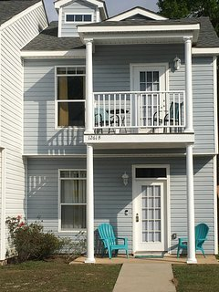 1261B Century Oaks is our 2 stories townhome