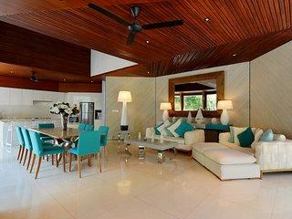 Design 3 BR villa, 2 pools in Seminyak Petitenget