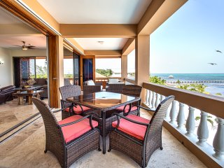 Luxury oceanfront corner condo! Family-friendly with 3 pools. Spectacular views!