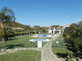 1955 - 2 bed apartment, Urb Casares Real, near Estepona