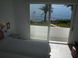 Se alquila preciosa casa primera línea de playa, Estepona,Málaga