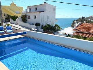 Casa Caravela, a central villa with heatable pool, good seaviews, 300m to beach
