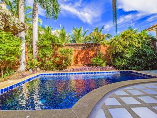 Cosy Beach 3 Bedroom Pool Villa Pratumnak