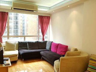 Biggest and Best 3bd + 2 bathroom 1400ft Apt in HK