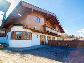 Chalet Lottie with Sauna and fire place in Maria Alm