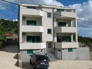 New apartment for 4  in Villa, close to the beach.
