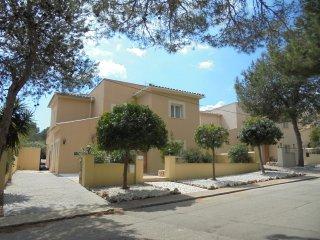 CASA ESPINA- Luxury Villa, with Hi Speed WiFi, Pool, Hot Tub & Sat TV, Cala Murada