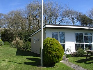 Homely, Sunny Bungalow with Country & Sea View, Kilkhampton
