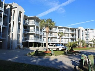 Savannah Beach & Racquet Club Condos - Unit C301 - Water Front - Swimming Pool - Tennis - FREE Wi-Fi