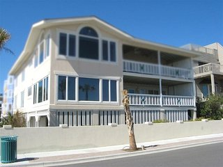 1711-A Strand Avenue - Panoramic Views of Tybee Beach and the Atlantic Ocean - FREE Wi-Fi