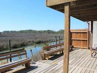 3 Marsh Creek Cove - Floating Dock on Horsepen Creek - Beautiful Salt Marsh Vistas - FREE Wi-Fi