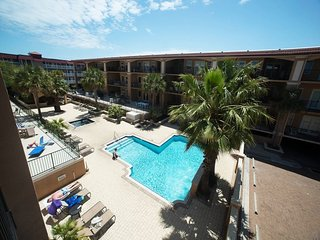 Brass Rail Villas - Unit 207 - Close to the Beach and `Downtown` Tybee - FREE Wi-Fi