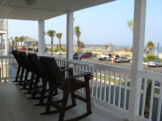 Dolphin Watch Condominiums Unit 3 - Ocean Front - FREE Wi-Fi, Tybee Island