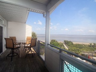Savannah Beach & Racquet Club Condos - Unit C303 - Water Front - Swimming Pool - Tennis - FREE Wi-Fi