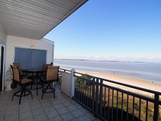 Savannah Beach & Racquet Club Condos - Unit C306 - Water Front - Swimming Pool - Tennis - FREE Wi-Fi